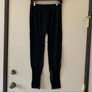 Black leggings with mesh